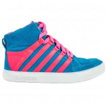 Sneaker Famous